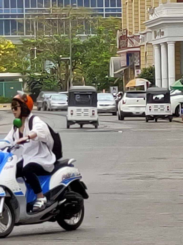 プノンペン バイク生活